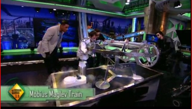 Will Smith is curious about the Möbius track on El Hormiguero 20120523