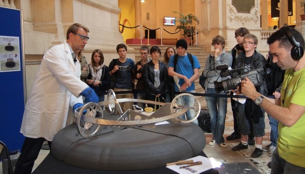 Vegard Stornes Farstad at Science Show with the Möbius Superconducting Maglev Train Track at Palais de la Decouverte in Paris, October 2011